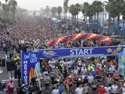 Gran participación para la Surf City USA Marathon