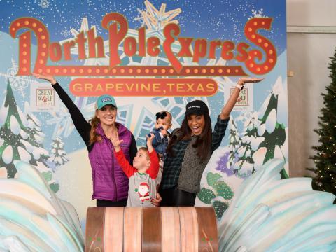 Una foto en el paseo en tren festivo North Pole Express en Grapevine, Texas